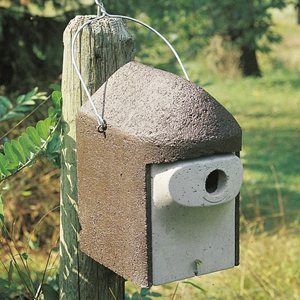 1 1/2 PREDATOR PROOF BIRDHOUSE