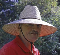 LARGE NURSERYMAN'S HAT