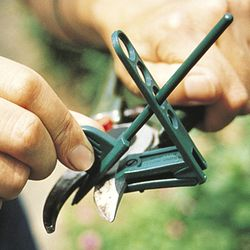 PRUNER SHARPENER