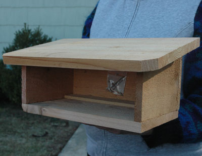 CEDAR SHELTER FOR MASON BEE HOUSES (EMPTY)