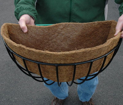 "30"" Round Hayrack Euro Classic Planter (Liner Not Included)"