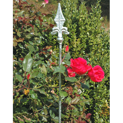 Border Stakes with Finials
